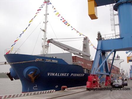 tàu Vinalines Pioneer
